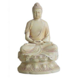 Buddha sidder i meditation