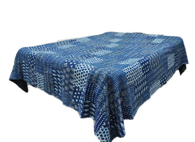 Opdateret Quiltet-indisk bomulds-sengetæppe blå og rød farver UJ29