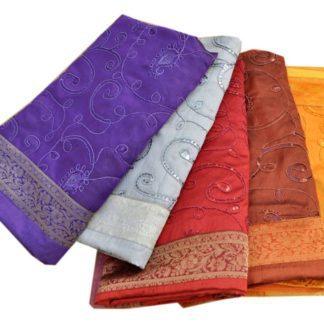 Silke sengetæpper i 4 farver