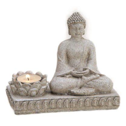 Mediterende Buddha med lysholder.