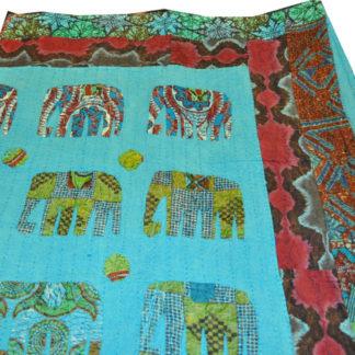 Quiltet bomulds sengetæppe med elefanter