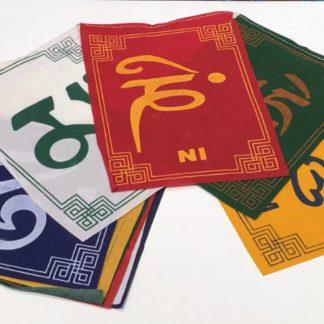 Tibetanske bedeflag mantra