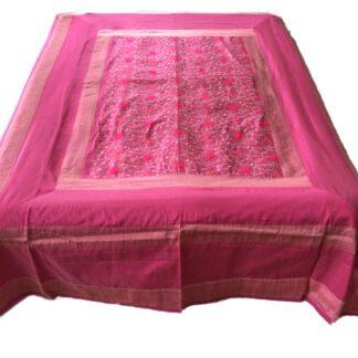 Lyserød_silke_sengetæpper